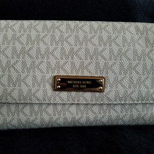 Michael Kors womens wallet